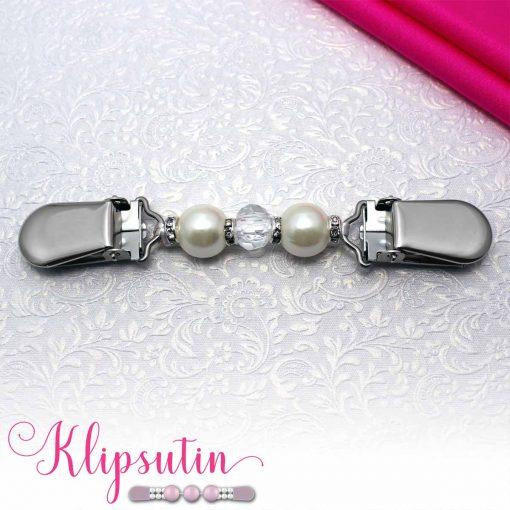 Napittoman neuletakin ja villatakin pidike nimeltä Klipsutin Tania. Kuvassa näkyy tuotteen valkoinen vaihtoehto.